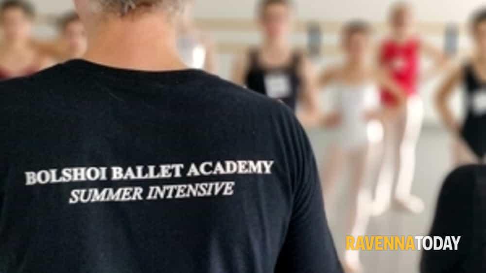 numerosi allievi per l' audizione di accesso all' accademia bolshoi-2