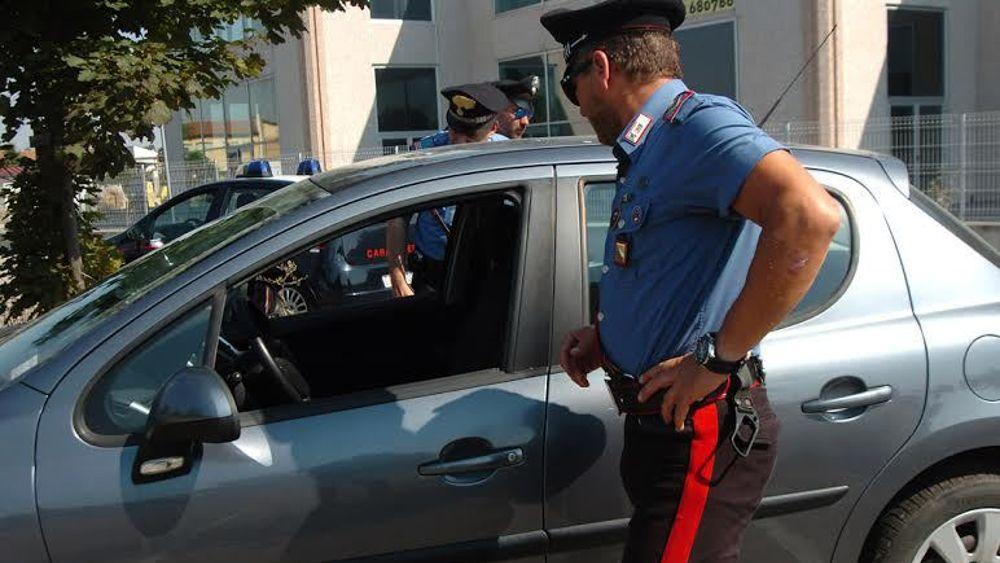 auto furto sigarette carabinieri-2