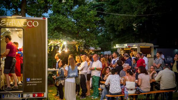 Un tour dello Stivale tutto da gustare: alla Darsena l'invasione dei food truck