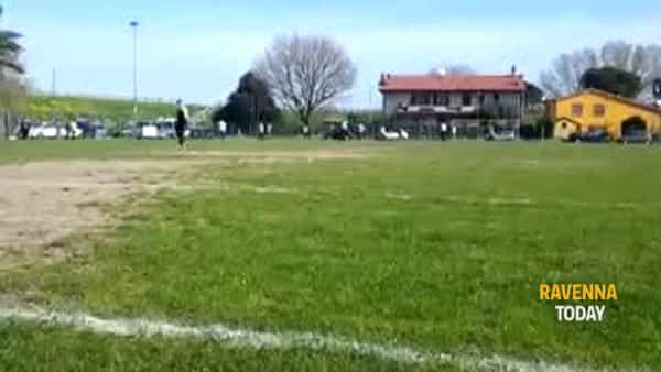 """Insulti razzisti ai giocatori della squadra di profughi: """"Ci hanno ferito, certe cose non possono più esistere"""""""