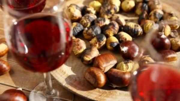 Massa Lombarda festeggia Halloween per le vie del centro con castagne e vin brulè