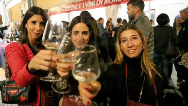 """Calici di vino e buon cibo. Tutto pronto per """"GiovinBacco in Piazza"""""""