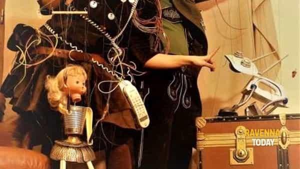 "Divertimento con ""Ecomonsters puppet show"""