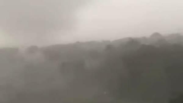 """""""Sembrava un tornado"""": l'impressionante video del disastro su Cervia e Milano Marittima"""
