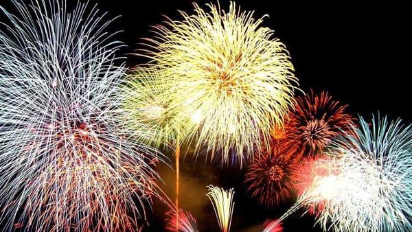 Spettacolo nel cielo: dove vedere i fuochi d'artificio di Ferragosto