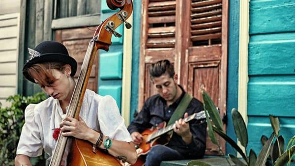 Dal rock al blues con i Lovesick Trio in piazza a Ravenna