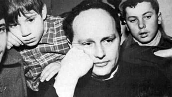 """Il docufilm: """"Barbiana '65, la lezione di don Milani"""" a Faenza"""