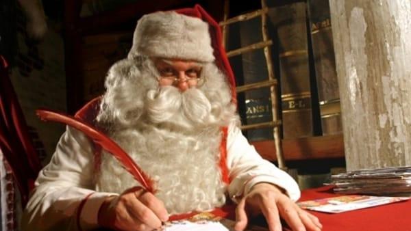 """Fiabe, elfi e meraviglie nel """"Castello Incantato di Babbo Natale"""""""