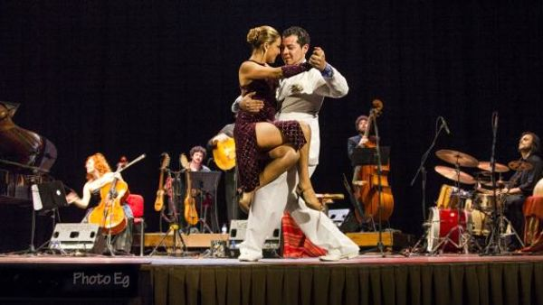 """""""Un paese che suona"""": inaugura la stagione musicale del Teatro Moderno di Fusignano"""
