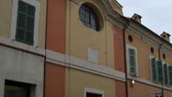L'impegno dei parrocchiani: beni in vendita per restaurare la chiesa