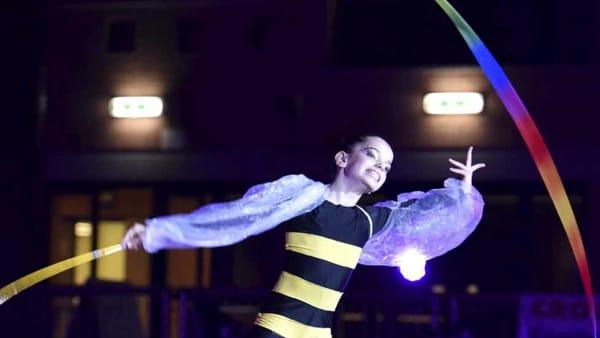 Le ginnaste di Edera aprono lo spettacolo di Twyla Tharp