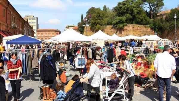 """Bancarelle, vinili, cene funky e molto altro al """"Lugo Vintage Festival"""""""