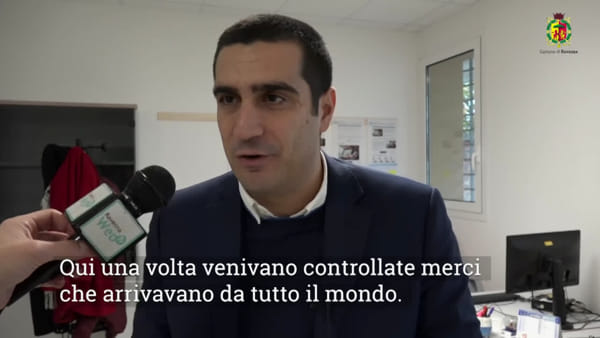 Furgoncini vintage per viaggi 'slow': le nuove start-up dell'incubatore - VIDEO