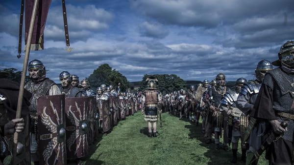 """Le legioni romane marciano in città per il festival """"Ravenna Historia Mundi"""""""