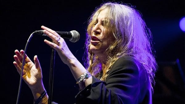La notte di Patti Smith: la Sacerdotessa del Rock all'Alighieri