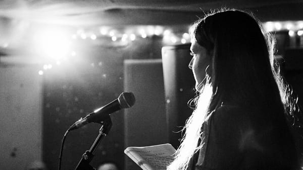 Torna la sfida fra autori del Poetry Slam