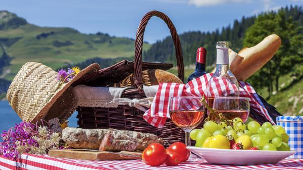 A lezione di picnic con i food blogger: come preparare il cestino perfetto con gustose ricette