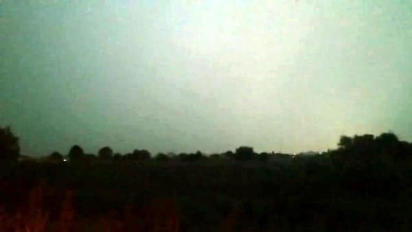 Nubifragio sul Faentino. Tuoni e cielo illuminato a giorno dai fulmini: il VIDEO