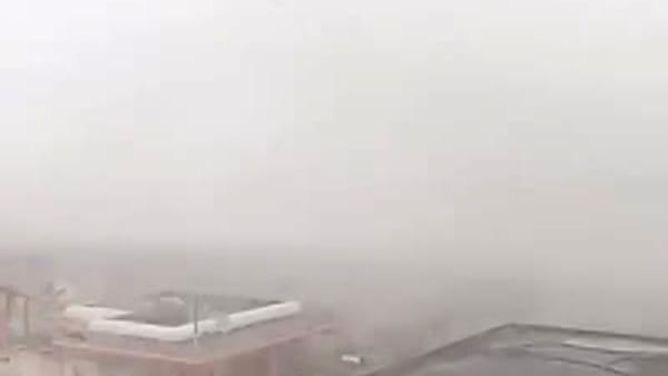 In pochi secondi il vento mette sottosopra Milano Marittima: il VIDEO è impressionante