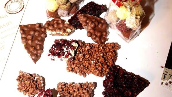 Praline, tavolette e perfino kebab in cioccolato: tutto questo è Art & Ciocc