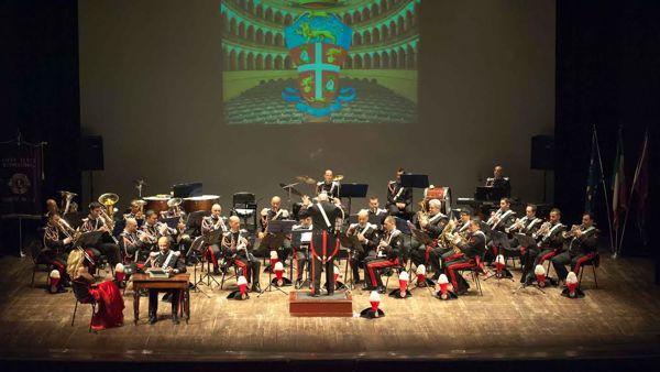 La Fanfara dei Carabinieri festeggia 200 anni dell'Arma con le più popolari musiche del 900