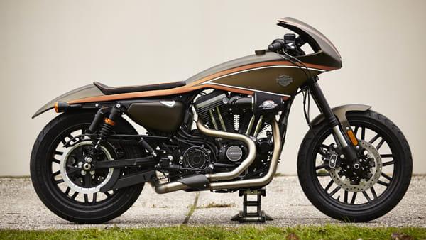 Il rombo delle Harley Davidson nella Darsena di Ravenna