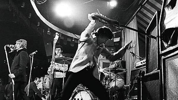 Chitarre distorte e voci urlanti, arrivano gli anni del rock