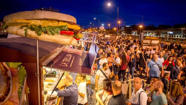 Piatti tipici italiani e non solo: in Darsena invasione di sapori col Truck'n'Food street festival