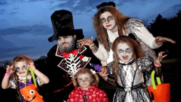 Horror village, torte, birra e Minions per la festa di Halloween