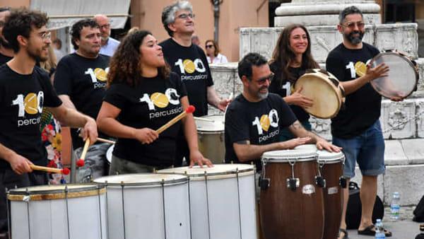 Tamburi nella notte: le 100 percussioni si scatenano per il concerto finale