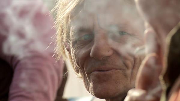 """""""Storie del dormiveglia"""", Luca Magi racconta la vita dei senzatetto"""