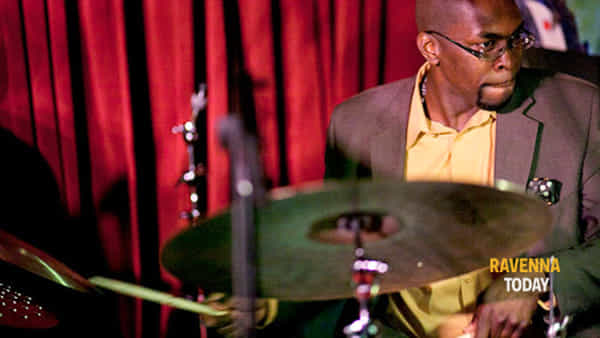 Il batterista Lee Pearson al Mariani Lifestyle