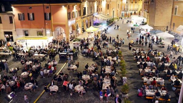"""Menù sfiziosi e buon vino a """"La piazza in tavola"""""""