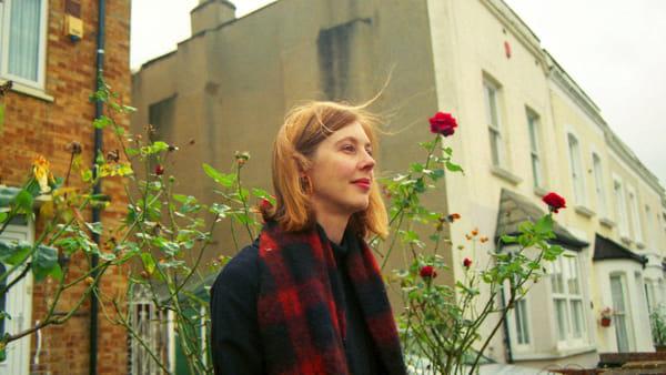 """Carla Dal Forno presenta """"The Garden"""", tra elettronica, pop e folk"""