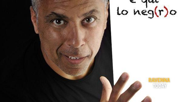 """A Massa Lombarda Salvatore Marino in """"Non sono abbronzato, qui lo dico e qui lo neg(r)o"""""""