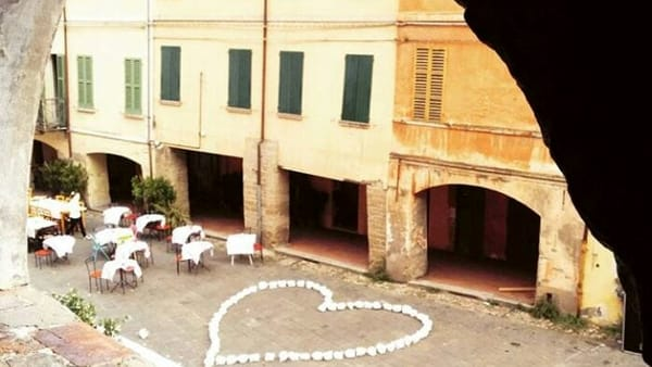 Musica e danza per una serata romantica in uno dei borghi più belli d'Italia