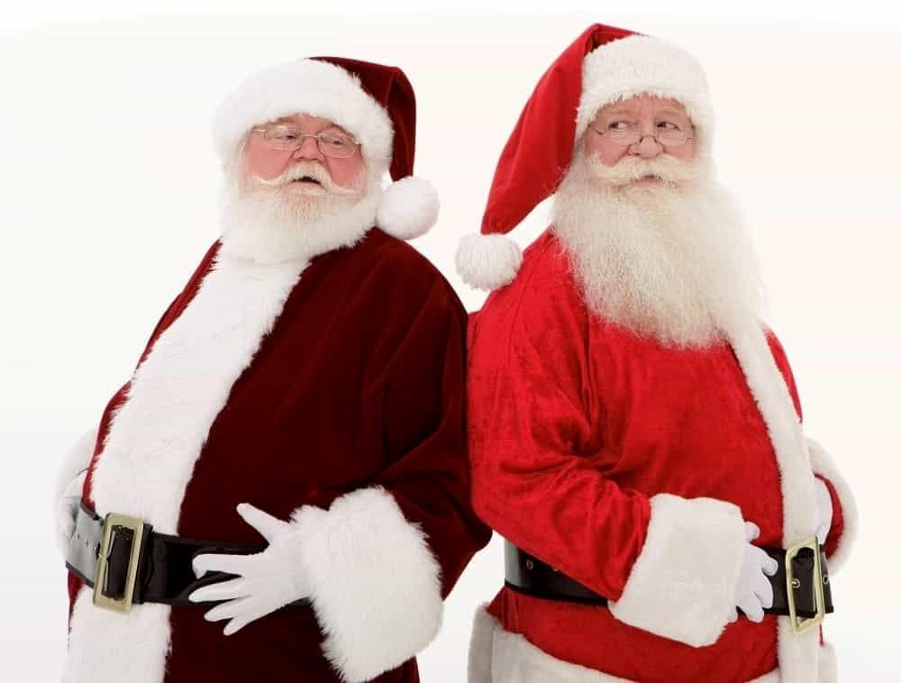 Babbi Natale.Canti E Allegria Alla Sfilata Dei Babbi Natale Eventi A Ravenna