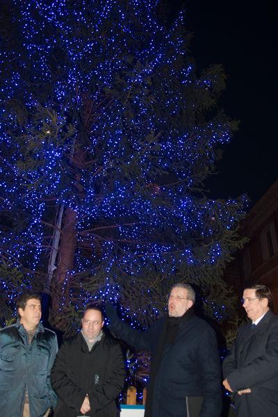 Albero di Natale in piazza Del Popolo (Rafotocronaca-Fiornetini)