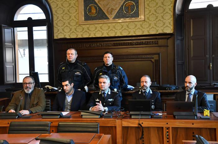 La Polizia locale sperimenta le 'bodycamera' (foto Massimo Argnani)